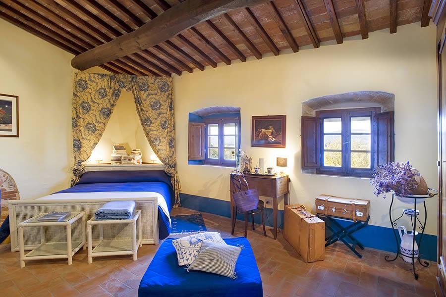 Camere Con Letto A Baldacchino : Fortezza de cortesi romantico resort in toscana