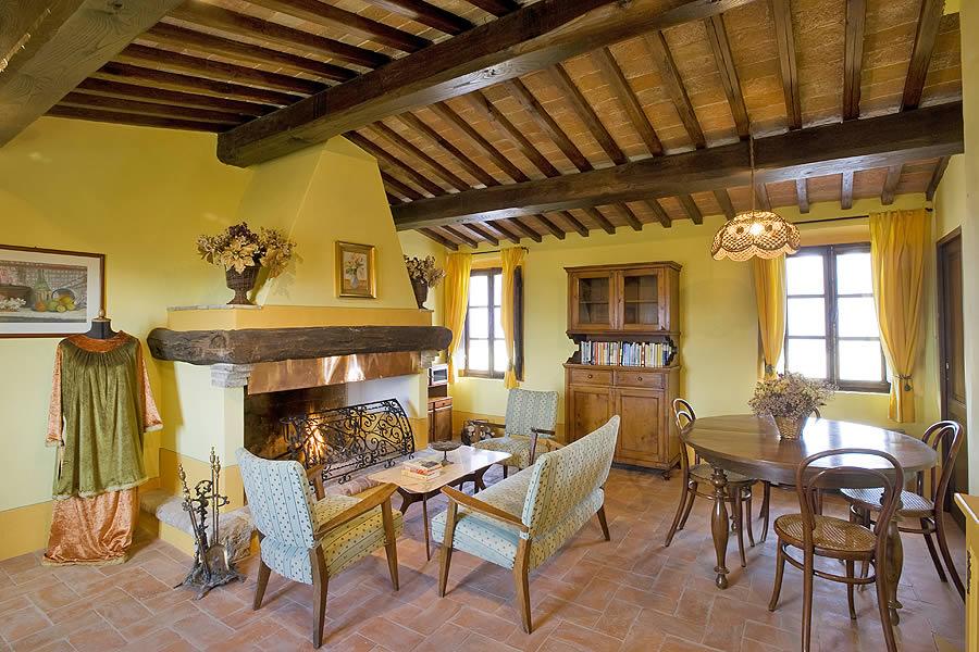 Arredamento Toscano Rustico : Arredamento rustico toscano amazing arredamento soggiorno rustico
